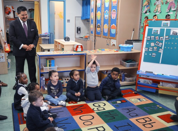 Chancellor Carranza Watches Pre-K Students Answer Questions